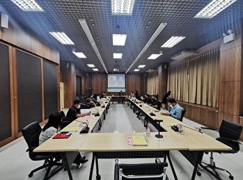 รักษาการรองอธิการบดีฝ่ายกิจการนักศึกษา ประธานการประชุมคณะกรรมการบริหารกองทุนพัฒนานักศึกษา ครั้งที่ 3/2563